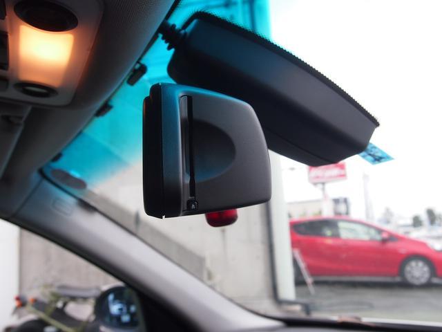 BMW BMW 323i ハイラインパッケージ DVDナビ フルセグ 黒本革