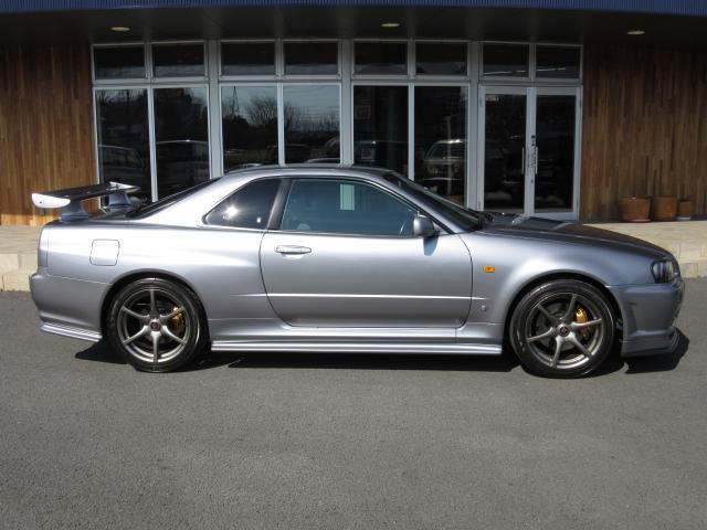 日産 スカイライン GT-R Vスペック 1オーナー禁煙 無改造車