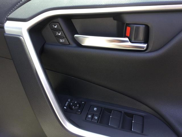 G Zパッケージ NEWモデル 4WD 純正9インチSDナビ(12枚目)
