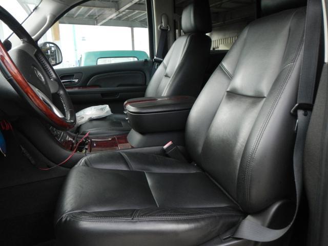 「キャデラック」「キャデラック エスカレードEXT」「SUV・クロカン」「熊本県」の中古車16