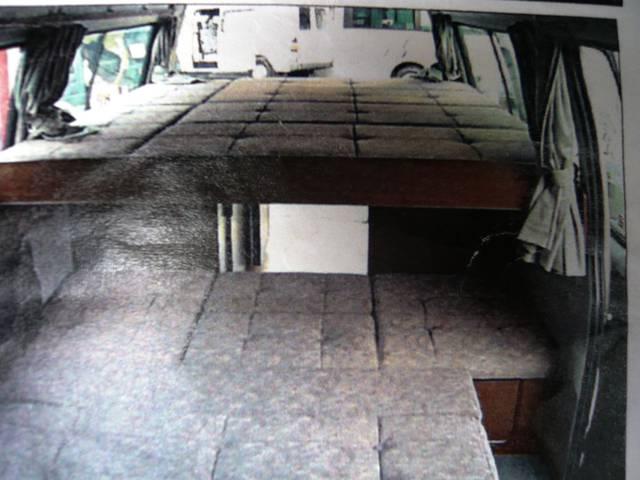 トヨタ ハイエースバン キャンピング RVBIGFOOT 走行充電 対座テーブル