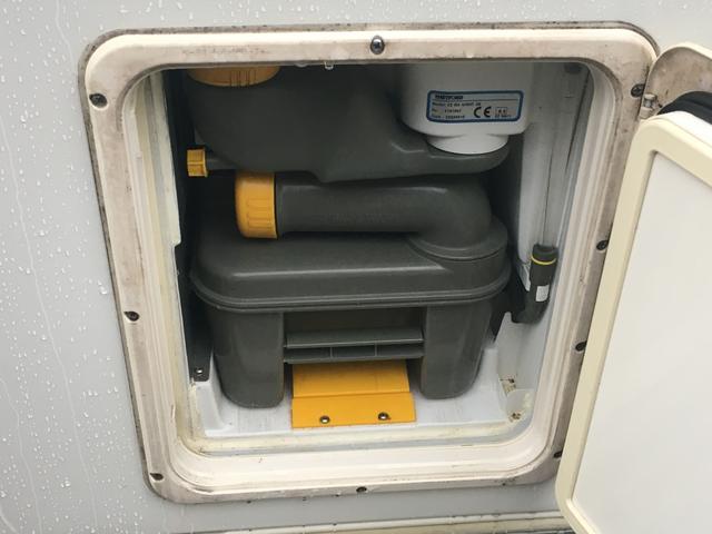 トヨタ カムロード キャンピング 温水ボイラーシャワー ナビ バックカメラ