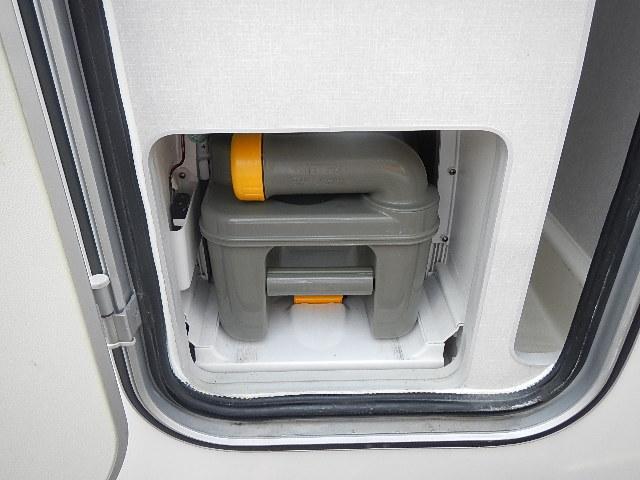 トヨタ カムロード キャンピング バンテック社製 ZIL520 リヤ2段ベッド