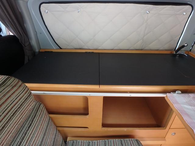 キャンピング トイファクトリー製ROBO リヤ2段ベッド(39枚目)