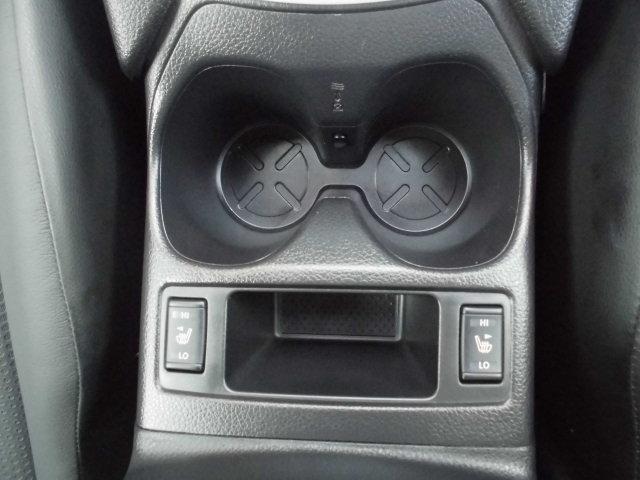 寒い日にシートを温めてくれる便利な運転席・助手席の両側シートヒーターが装備されてます♪