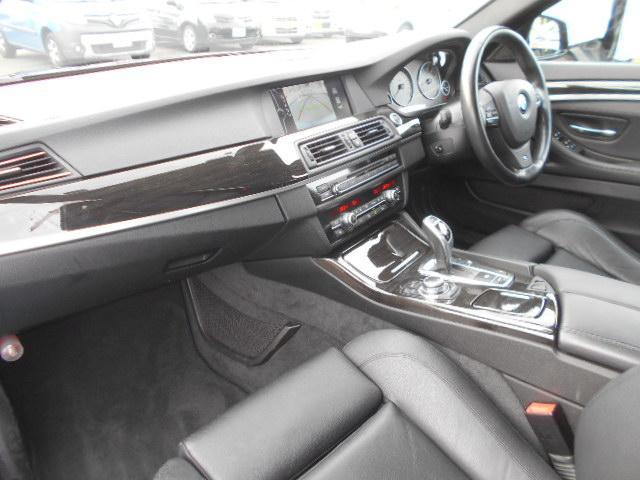 BMW BMW 535i Mスポーツパッケージ ブラックレザーシート