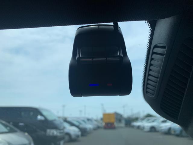 A180 スタイル AMGライン レーダーセーフティパッケージ/ナビパッケージ/TVチューナー/シートヒーター/AMG18インチアルミ/マルチビームLEDヘッドライト/レッドステッチ入合皮スエード調コンビスポーツシート/(9枚目)