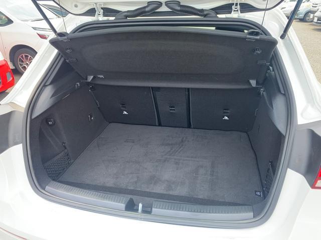 A180 スタイル AMGライン レーダーセーフティパッケージ/ナビパッケージ/TVチューナー/シートヒーター/AMG18インチアルミ/マルチビームLEDヘッドライト/レッドステッチ入合皮スエード調コンビスポーツシート/(15枚目)