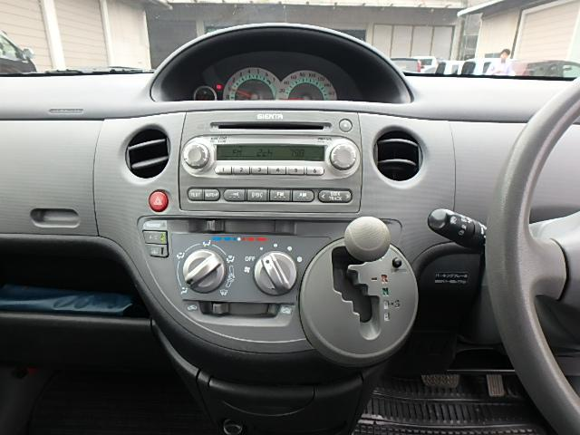 トヨタ シエンタ X CVT コーナーセンサー 7人乗り