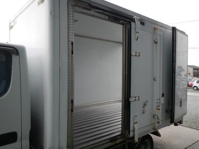 保冷パネルバン1.5t積 5速MT Wタイヤ ラジオ 横ドア(9枚目)