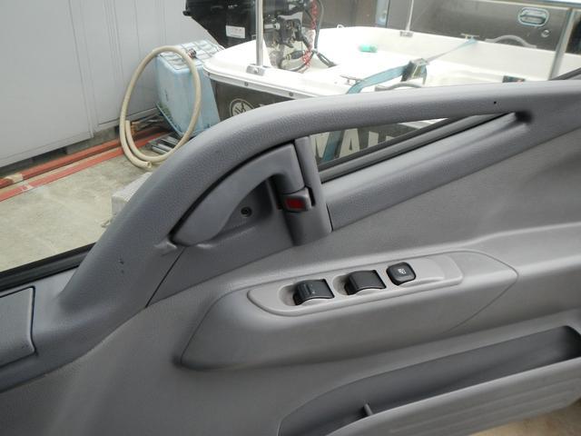 保冷パネルバン1.5t積 5速MT Wタイヤ ラジオ 横ドア(19枚目)