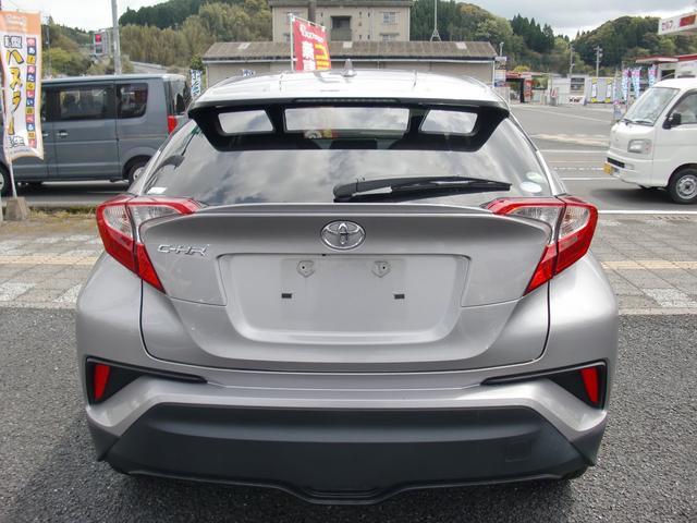 「トヨタ」「C-HR」「SUV・クロカン」「鹿児島県」の中古車3