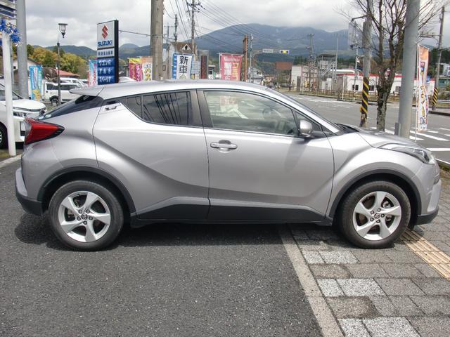 「トヨタ」「C-HR」「SUV・クロカン」「鹿児島県」の中古車4