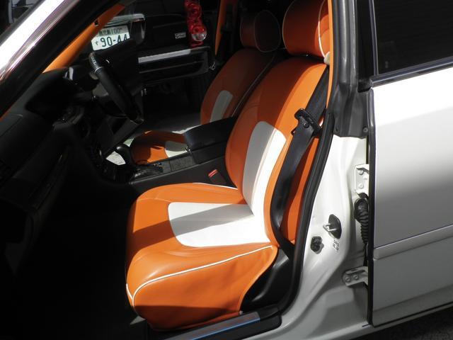 グランツーリスモ300SV ナビED II Largus車高調 VOSSEN20インチアルミホイール 社外2本出しマフラーオレンジ/ホワイトシートカバー(16枚目)