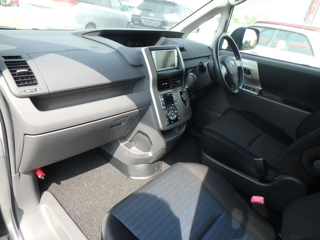 トヨタ ヴォクシー ZS ナビ スマートキー 左側電動スライドドア