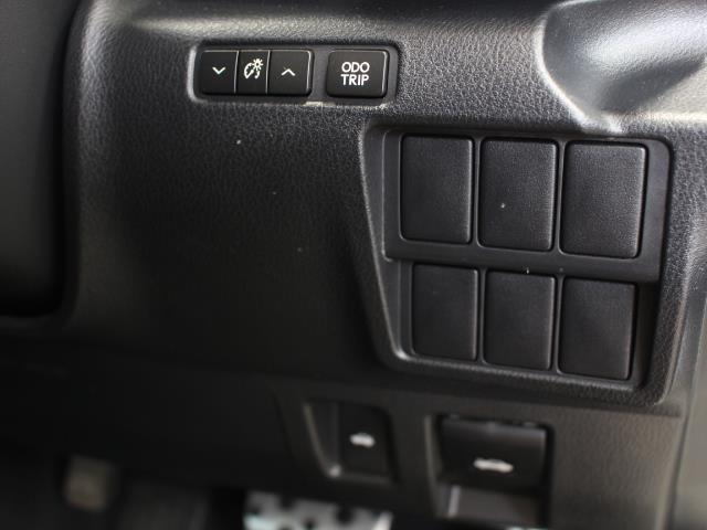 IS250 Fスポーツ 革シート サンルーフ フルセグ メモリーナビ DVD再生 バックカメラ ETC HIDヘッドライト 記録簿(11枚目)