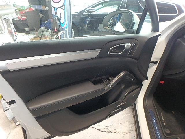 ポルシェ ポルシェ カイエン ターボ ティプトロニックS 4WD HDDナビフルセグ 本革