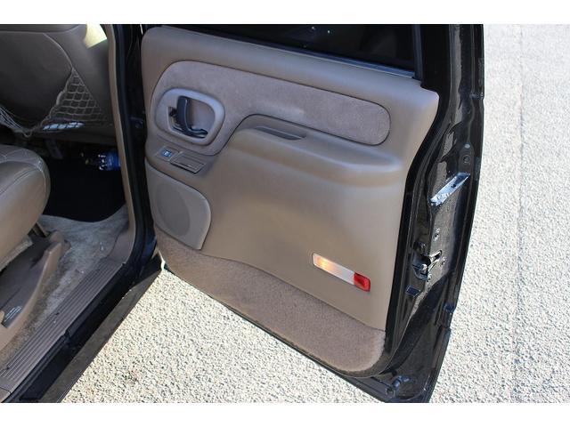 「シボレー」「シボレー サバーバン」「SUV・クロカン」「鹿児島県」の中古車44