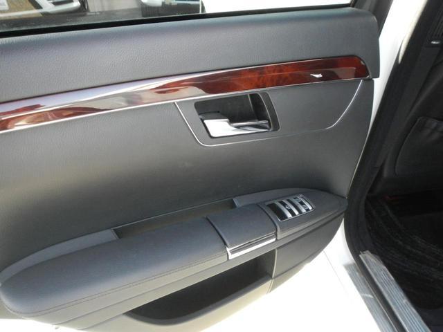 S350 S65AMGエアロ ディーラー車 20インチAW AMGマフラー 本革電動シート サンルーフ 純正ナビ バックカメラ シートヒーター ETC 障害物センサー(48枚目)