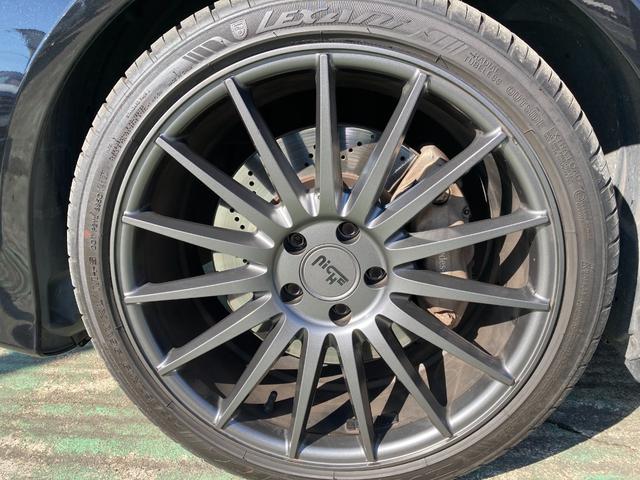 E400 アバンギャルド AMGライン V6 BITURBO ディーラー車 右ハンドル ニッチェ19inアルミ AMGルックグリル LEDライト マフラー中間カスタム トランクスポイラー サンルーフ レザーパワーシート(9枚目)