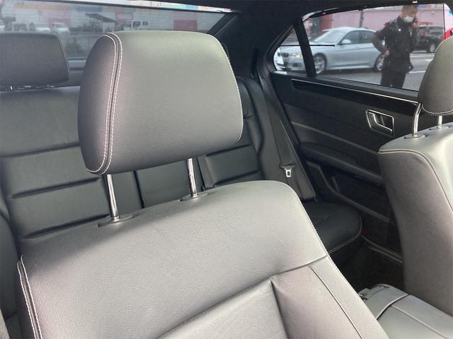 E400 アバンギャルド AMGライン V6 BITURBO ディーラー車 右ハンドル ニッチェ19inアルミ AMGルックグリル LEDライト マフラー中間カスタム トランクスポイラー サンルーフ レザーパワーシート(21枚目)