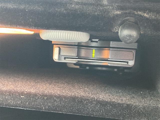 E400 アバンギャルド AMGライン V6 BITURBO ディーラー車 右ハンドル ニッチェ19inアルミ AMGルックグリル LEDライト マフラー中間カスタム トランクスポイラー サンルーフ レザーパワーシート(41枚目)