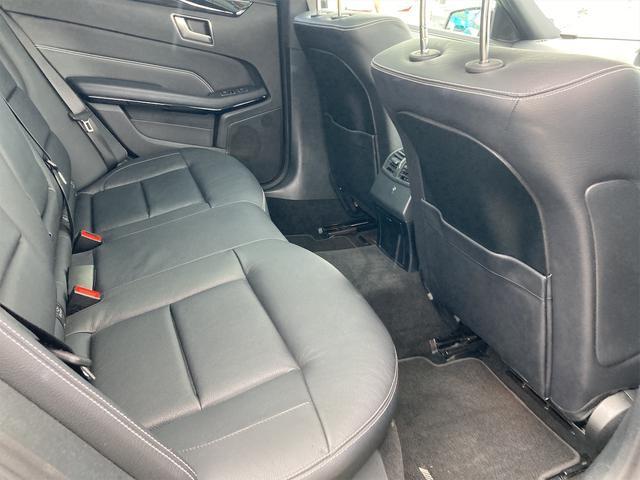 E400 アバンギャルド AMGライン V6 BITURBO ディーラー車 右ハンドル ニッチェ19inアルミ AMGルックグリル LEDライト マフラー中間カスタム トランクスポイラー サンルーフ レザーパワーシート(46枚目)