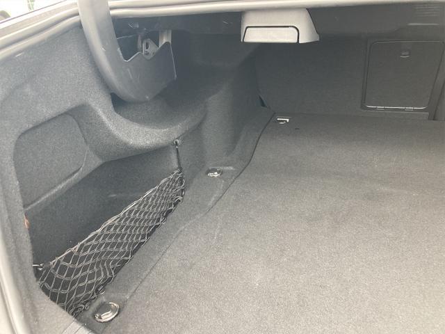 E400 アバンギャルド AMGライン V6 BITURBO ディーラー車 右ハンドル ニッチェ19inアルミ AMGルックグリル LEDライト マフラー中間カスタム トランクスポイラー サンルーフ レザーパワーシート(56枚目)