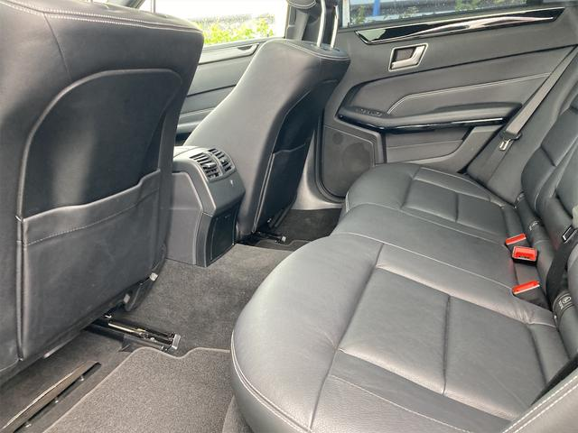 E400 アバンギャルド AMGライン V6 BITURBO ディーラー車 右ハンドル ニッチェ19inアルミ AMGルックグリル LEDライト マフラー中間カスタム トランクスポイラー サンルーフ レザーパワーシート(63枚目)