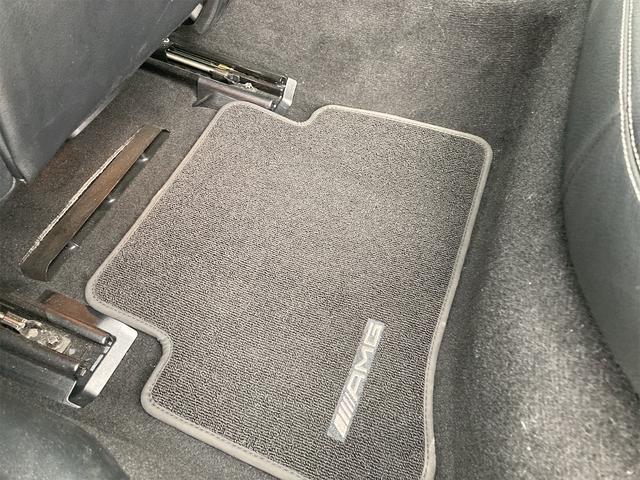 E400 アバンギャルド AMGライン V6 BITURBO ディーラー車 右ハンドル ニッチェ19inアルミ AMGルックグリル LEDライト マフラー中間カスタム トランクスポイラー サンルーフ レザーパワーシート(65枚目)