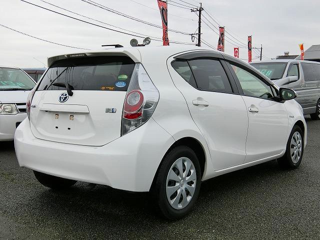 トヨタ アクア S ナビTV バックカメラ