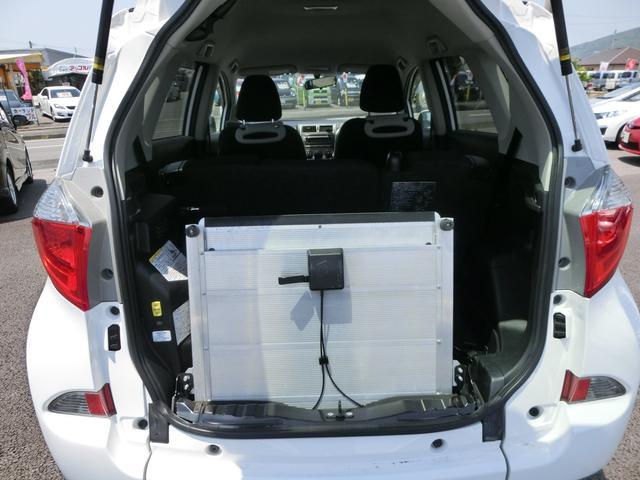 X  車いす仕様車 スロープタイプ タイプ1 車高降下装置(8枚目)