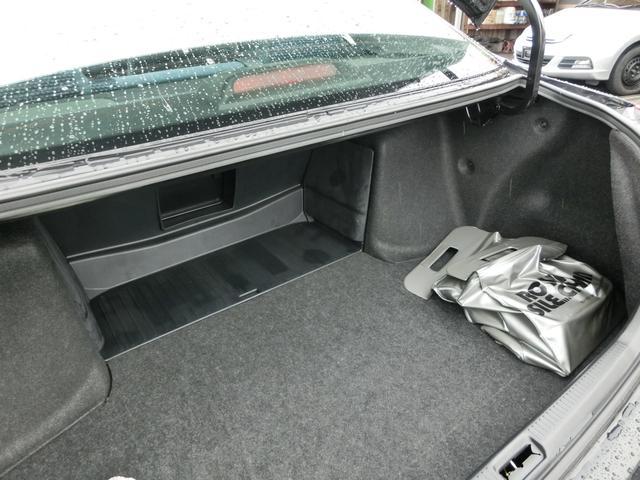 当店では納車前に、内装クリーニング、外装磨きWAX、水垢とりなど行いましてお車をお渡しいたします!
