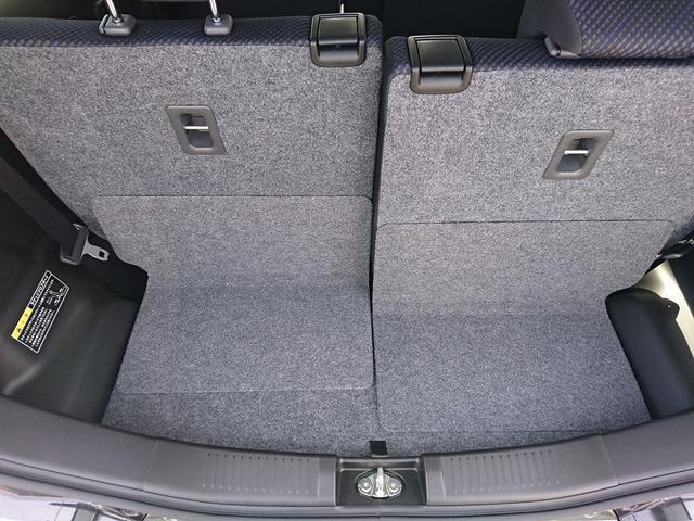 荷物もしっかり積めます!後部座席を倒すと大容量のラゲッジルームに!