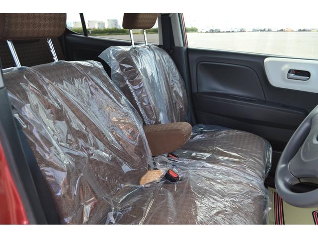 人気のベンチシートで広々としたシートでゆったりドライブを!