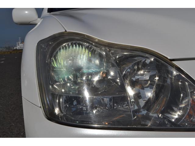 HIDヘッドライトで暗い夜道も明るく照らしてくれます!夜間の運転も安心です!