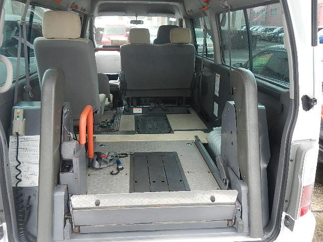 福祉車輌 車椅子2台積移動車 基本フル装備 リヤエアコン(9枚目)