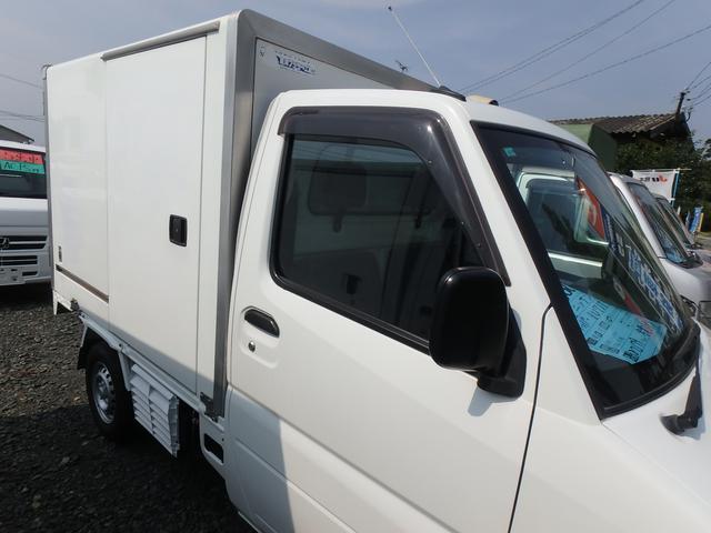 冷蔵冷凍車 5MT エアコン パワステ エアバッグ(6枚目)