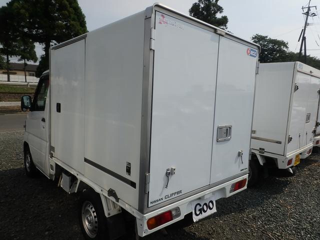 冷蔵冷凍車 5MT エアコン パワステ エアバッグ(9枚目)