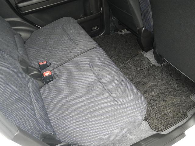 当店の車両はすべて保証付きでのお渡しになりますので、ご安心下さい。この車両は【メーカー新車保証】のロング保証付きでのお渡しになります。
