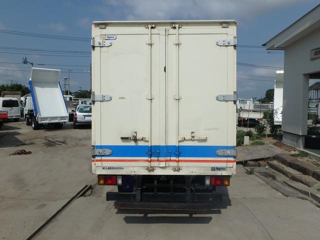 冷蔵冷凍車 5速MT ETC フル装備 Wタイヤ エアB(8枚目)
