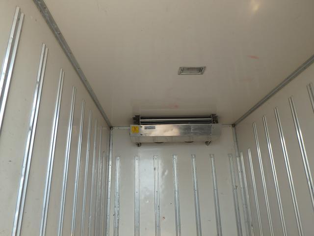 冷蔵冷凍車 5速MT ETC フル装備 Wタイヤ エアB(10枚目)