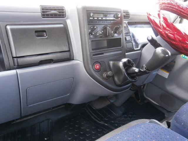 三菱ふそう キャンター 3t 全低床 4WD
