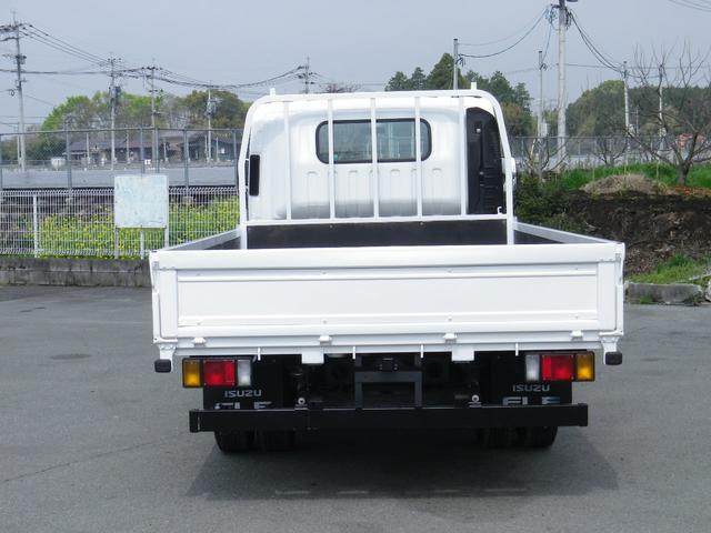 県外納車も歓迎いたします。当店は北海道から沖縄まで沢山のお客様とお取引させて頂いています。納車方法や費用に関してのご相談も分かり易くご説明、ご準備致しますので安心してご連絡下さい!