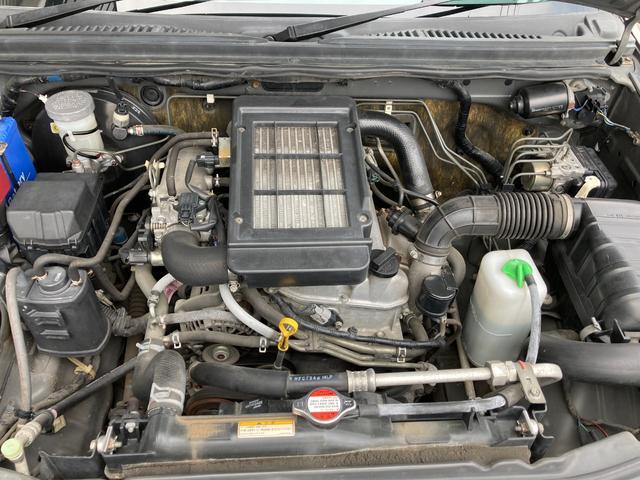 ランドベンチャー 4WD リフトアップ レイズデイトナ16インチアルミ 運転席シートヒーター 純正ハーフレザーシート ルーフレール カロッツェリアサイバーナビ地デジDVD 純正フロアマット 電格ミラー 背面タイヤカバー(27枚目)