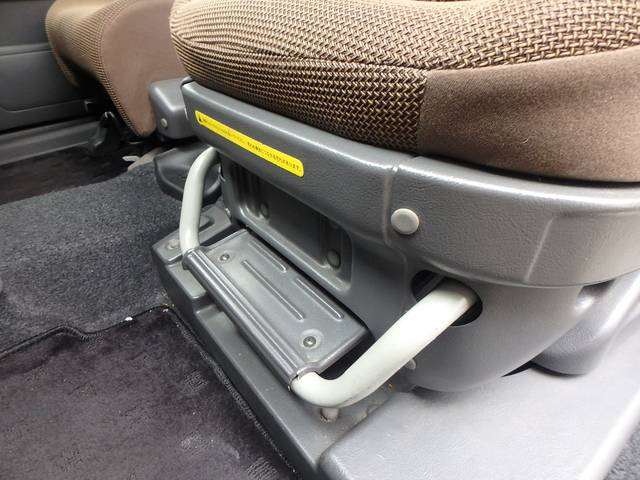 日産 キューブ 助手席回転シート