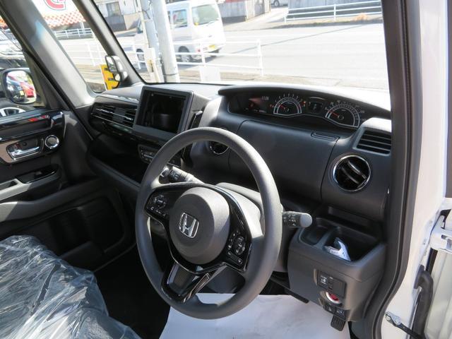 L ホンダセンシング 届出済未使用車 両側パワースライドドア スマートキー バックカメラ オートエアコン シートヒーター LEDライト(11枚目)