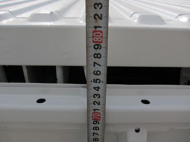 荷台床高さ約810mm