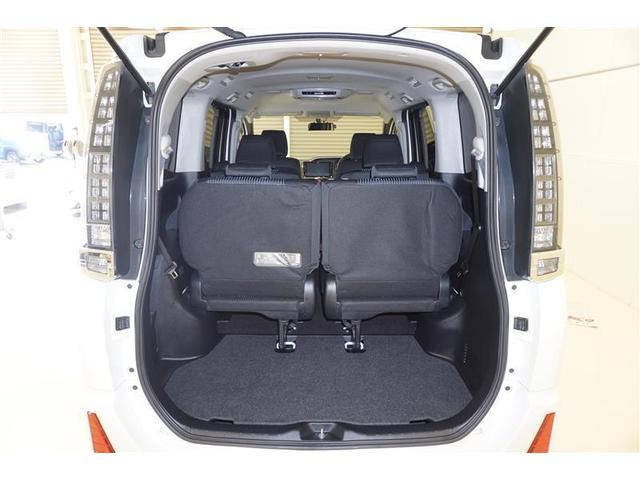 大きな開口部のラゲージスペースなので、荷物の積み下ろしが楽々ですよ☆お買い物が充実すること間違いなしですね☆