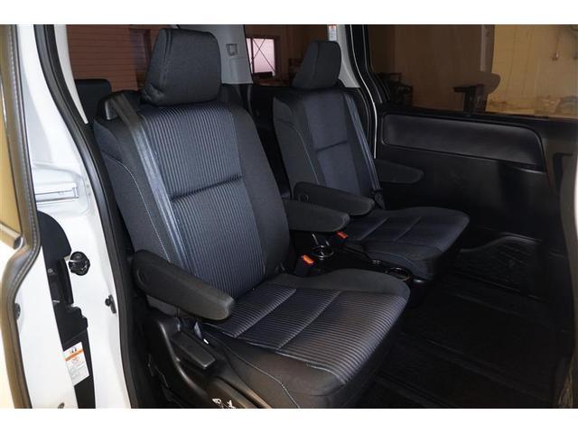 長距離移動も疲れにくい後席シート☆ゲストにとっては「運転のしやすさ」より「乗り心地の良さ」のほうが重要なポイントに!ご来場の際は、後席シートも要チェックですよ☆